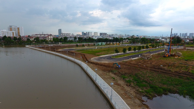 Hơn 500 m bờ sông và 90% tiện ích nội khu dự án Jamona Golden Silk đã hoàn thiện.