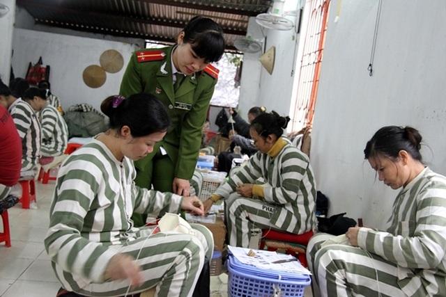 Nữ phạm nhân lao động cải tạo tại Trại giam số 6.