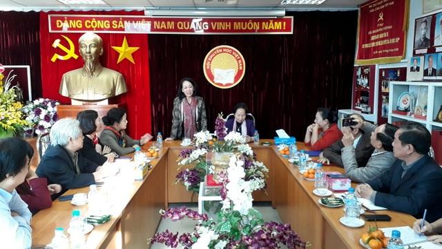 Ủy viên Bộ Chính trị Trương Thị Mai đến thăm và làm việc với TW Hội Khuyến học Việt Nam