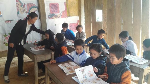 Điểm trường Khe Rịa có tất cả 18 em học sinh với 4 bậc học, được tổ chức thành lớp ghép