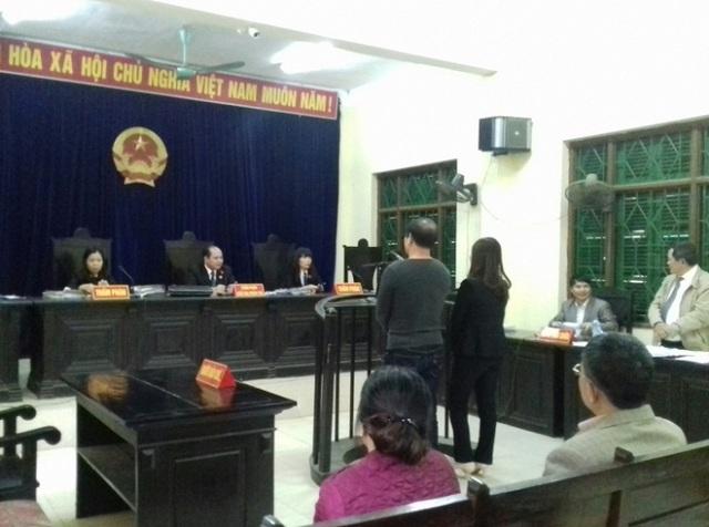 Hai bị cáo Tuấn và Xuân tại phiên toà xét xử phúc thẩm của TAND tỉnh Tuyên Quang.