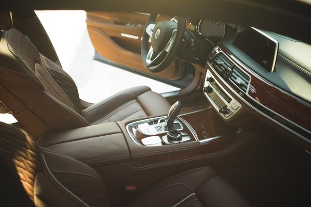Cận cảnh tuyệt phẩm BMW Alpina B7 - 12