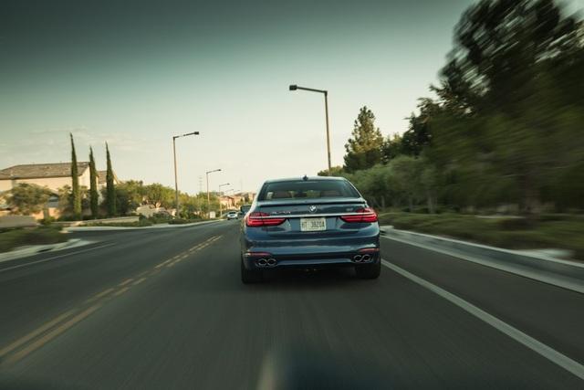 Cận cảnh tuyệt phẩm BMW Alpina B7 - 7