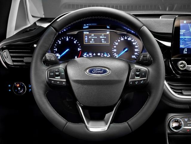 Ford Fiesta 2017 có gì mới? - 3