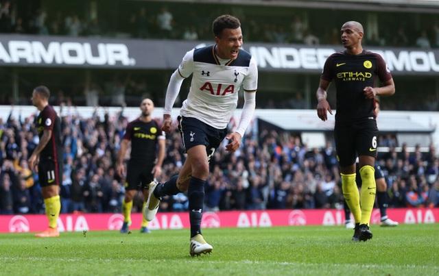 Niềm vui của tiền vệ người Anh sau bàn thắng nâng tỉ số lên 2-0