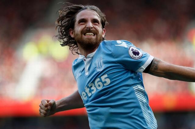 Niềm vui của Allen khi ghi bàn thắng quân bình tỉ số của trận đấu
