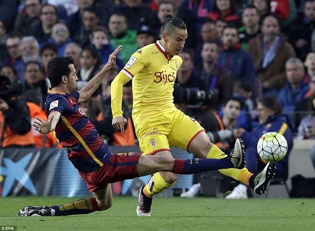 Gijon luôn thua đậm mỗi khi đối đầu Barcelona