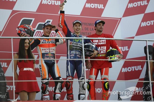 Jorge Lorenzo chiến thắng trong ngày chia tay Yamaha - 3