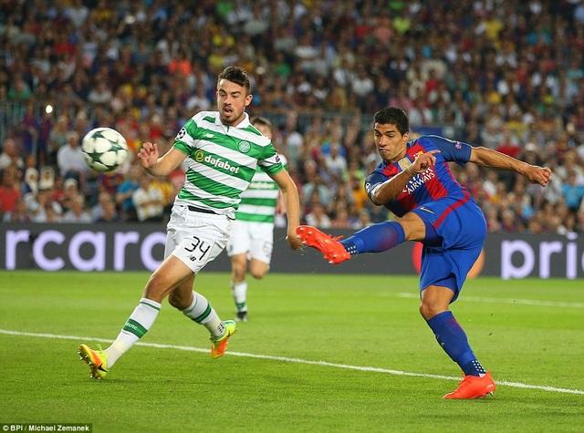 Luis Suarez khép lại chiến thắng 7-0 cho Barcelona trước Celtic