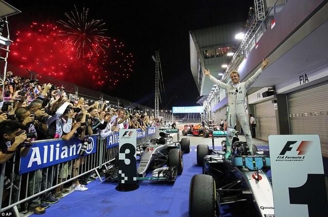 Nico Rosberg thắng tuyệt đối tại chặng đua Singapore - 2