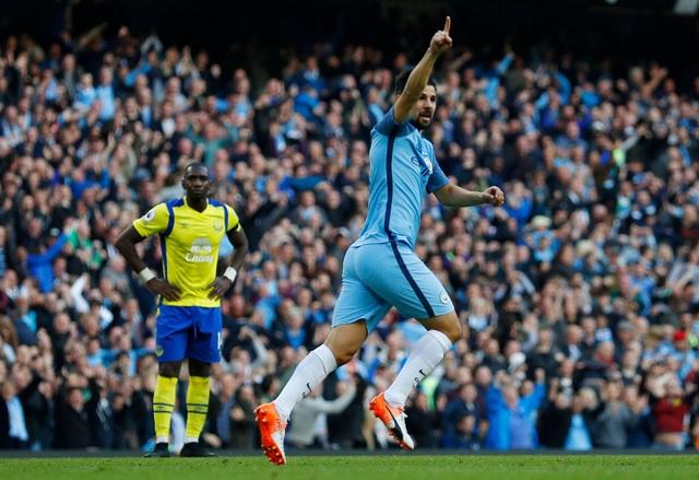 Nolito ăn mừng bàn thắng. Tiền đạo người Tây Ban Nha mới chỉ vào sân có hai phút trước khi ghi bàn