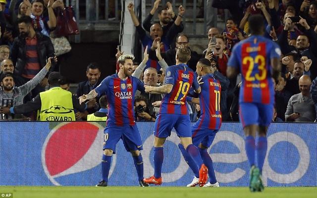 Một lần nữa, Barcelona lại là nỗi ác mộng với Man City
