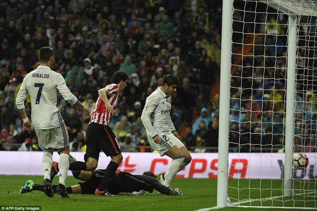 Morata ấn định thắng lợi 2-1 chung cuộc cho Real Madrid ở cuối trận