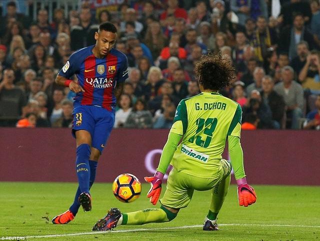Thủ thành Ochoa đã có trận đấu xuất sắc trước Barcelona