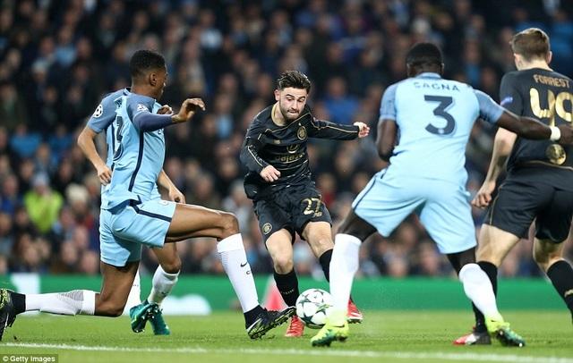 Man City hòa thất vọng Celtic 1-1 ở Etihad