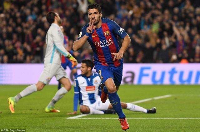 Luis Suarez tỏa sáng với cú đúp ở trận đấu này