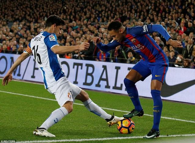Barcelona chơi trên cơ hoàn toàn trước Espanyol