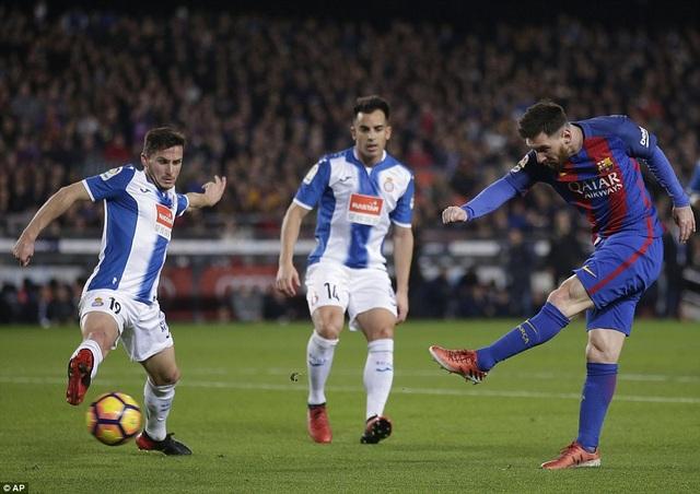 Messi ấn định thắng lợi 4-1 cho Barcelona ở cuối trận