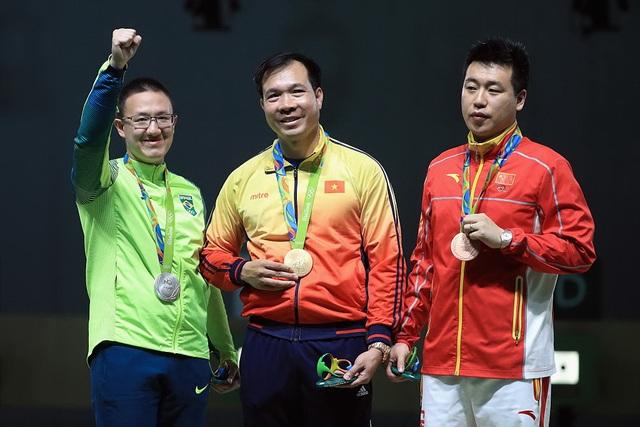 Lần đầu tiên Thể thao Việt Nam đoạt 1 HCV, 1HCB, thiết lập kỷ lục tại Olympic Rio 2016 qua thành tích thi đấu của xạ thủ Hoàng Xuân Vinh. Ảnh: TL.