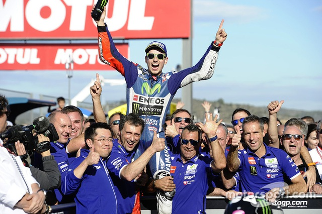 Jorge Lorenzo chiến thắng trong ngày chia tay Yamaha - 1