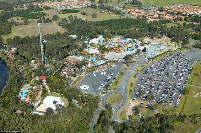Công viên giải trí Dreamworld nhìn từ trên cao (Ảnh: Getty)