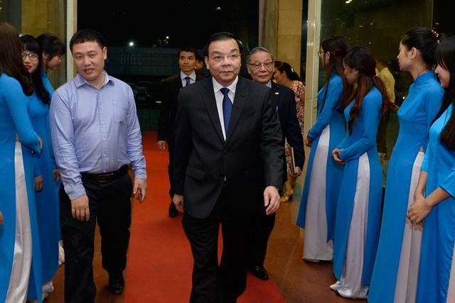TS. Chu Ngọc Anh - Ủy viên Trung ương Đảng - Bộ trưởng Bộ Khoa học và Công nghệ tiến vào hội trường.