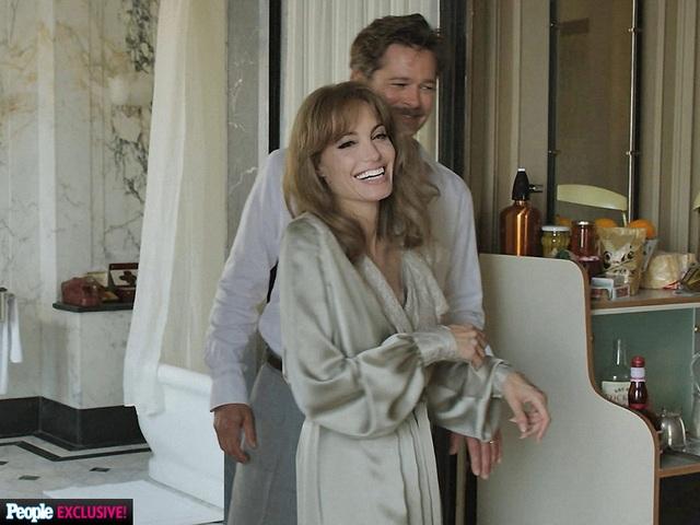 Bộ phim thứ 2 và có lẽ cũng là phim cuối cùng mà Jolie Pitt đóng cùng nhau là By the Sea - bộ phim tình cảm lãng mạn ra mắt vào năm 2015 - hoàn toàn thất bại về mặt doanh thu