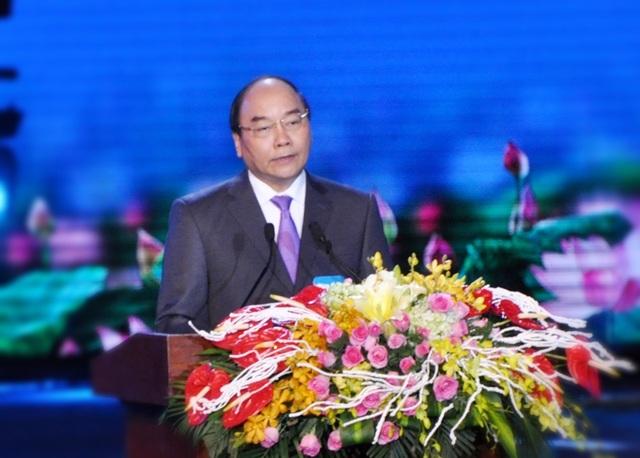Ủy viên Bộ Chính trị, Thủ tướng Nguyễn Xuân Phúc phát biểu tại Lễ mít tinh kỷ niệm 20 năm Đà Nẵng trực thuộc Trung ương.
