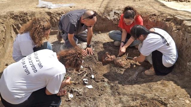 """Khám phá bức tượng """"nhà tư tưởng"""" 4.000 năm tuổi đáng kinh ngạc ở Israel - 3"""