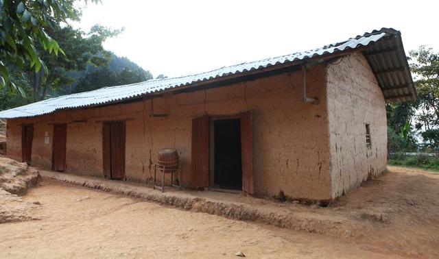 Xót xa lớp học đắp bằng đất của học trò nghèo vùng cao Hà Giang - 12