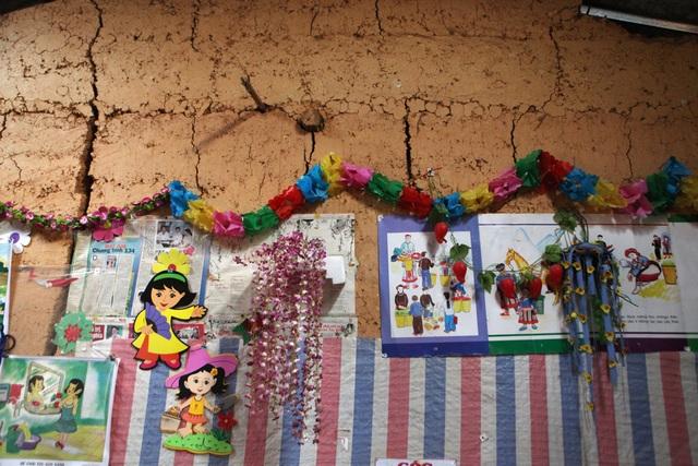 Xót xa lớp học đắp bằng đất của học trò nghèo vùng cao Hà Giang - 15