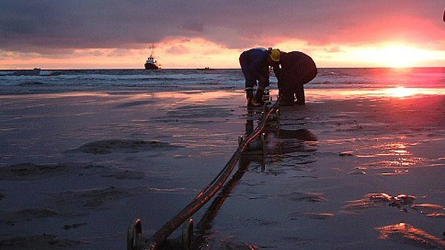 Tuyến cáp quang biển APG chính thức đưa vào khai thác, Internet đi quốc tế nhanh hơn - 1