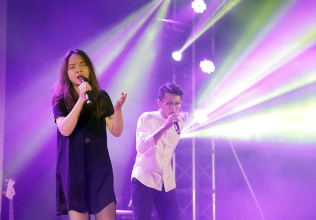 Nhóm hát The Dazzle làm mới ca khúc Em về tinh khôi với phần beatbox điêu luyện khiến những vị giám khảo và khán giả không thể ngồi yên
