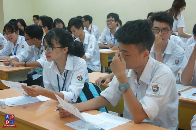 Cuộc thi English Champion 2016 diễn ra sôi động tại 10 trường THPT trên địa bàn Hà Nội.