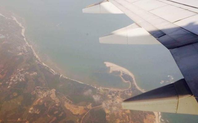 Ảnh chụp từ máy bay của Trung Quốc đáp thử nghiệm trái phép tới đảo Phú Lâm hôm 6/2/2016. (Ảnh: CCTV)