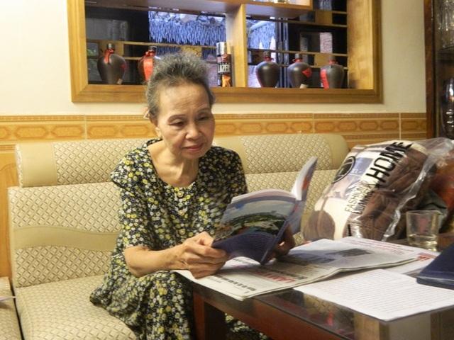 Bà Thanh có vóc dáng nhỏ bé và nụ cười hồn hậu.