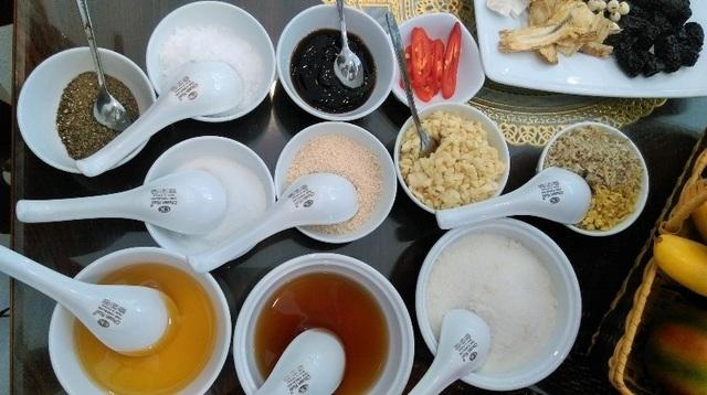 Các gia vị được sử dụng trong món ăn