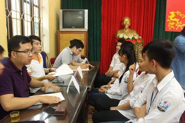 Câu lạc bộ Trạng Nguyên tổ chức tư vấn tuyển sinh tại trường THPT Bắc Lương Sơn ngày 25/4/2016.