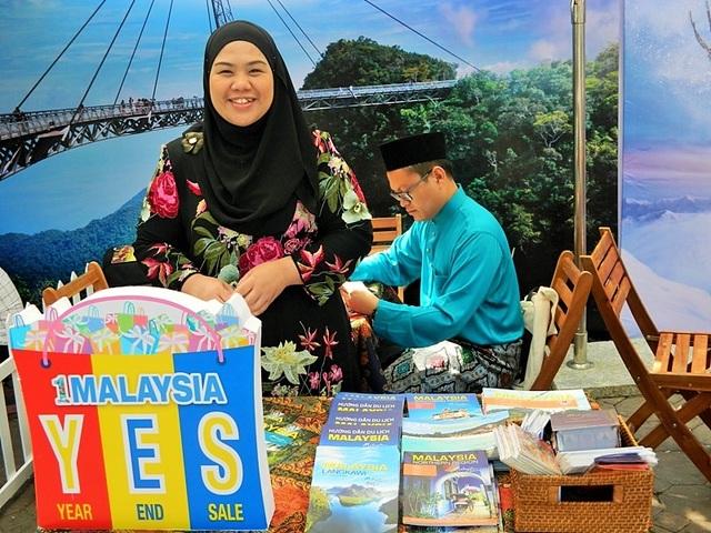 Gian hàng của Cục xúc tiến du lịch Malaysia.