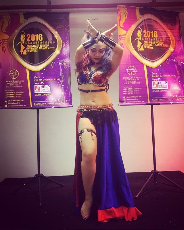 Cô gái vàng bellydance Việt Nam Đỗ Hồng Hạnh là tiêu điểm chú ý trong đêm Gala.