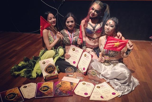 Các cô gái bellydance Việt xuất sắc giành Cúp vàng châu Á - 5