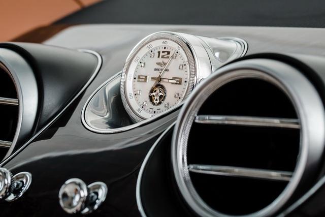 Tuỳ chọn này có giá 150.000 bảng Anh (187.000 USD), tương đương 2 chiếc Land Rover Range Rover - hoặc 5 chiếc Mercedes-Benz E-ClassClass, hoặc 10 chiếc Audi A1.