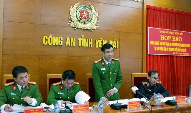 Đại tá Phạm Ngọc Thắng - Phó Giám đốc Công an tỉnh Yên Bái - giải đáp các thông tin xung quanh vụ án. (Ảnh: Tiến Nguyên)