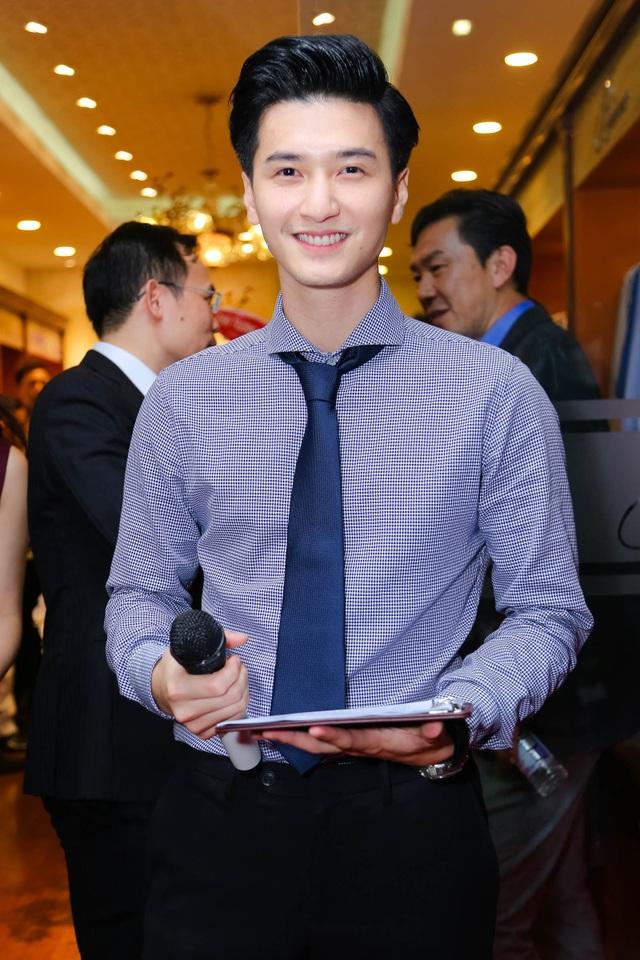 Diễn viên Huỳnh Anh đảm nhận vai trò MC của chương trình