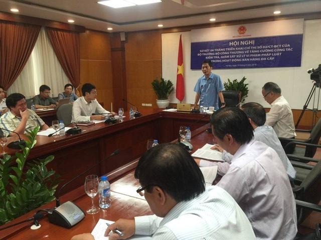 Bộ trưởng Công Thương Trần Tuấn Anh chủ trì hội thảo về bán hàng đa cấp. Ảnh: Mạnh Quân