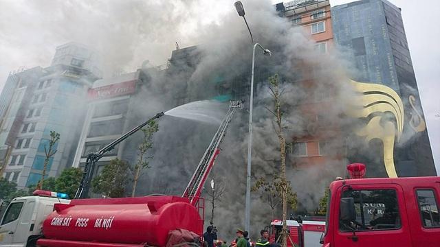 Hà Nội: 13 người tử vong trong vụ cháy quán karaoke - 21
