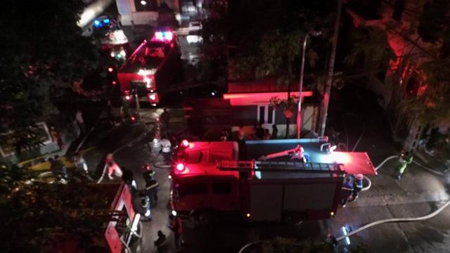 Rất nhiều xe cứu hỏa được điều động đến hiện trường