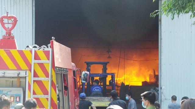 Hà Nội: Cháy lớn tại khu công nghiệp Ngọc Hồi - 8