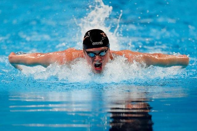 Bơi với cường độ mạnh còn có hiệu quả tốt hơn nữa, có thể đốt cháy tới 892 calo/h