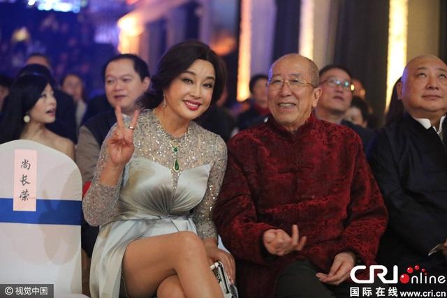 Lưu Hiểu Khánh ngày càng trẻ và tươi tắn. Bà không còn tham gia nhiều hoạt động của làng giải trí mà chuyển sang kinh doanh spa làm đẹp kể từ khi kết hôn vào năm 2014.